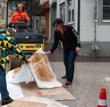 Ihr Grund und Boden als Profil! Ein Gemeinschaftsprojekt mit Susanne von Bülow, Probedrucken im Regen