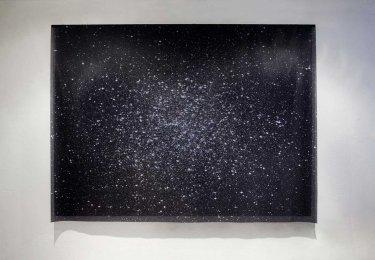 Reconstructing Big Bang, 2011, Fotografie S/W auf Textil 150 x 200 cm